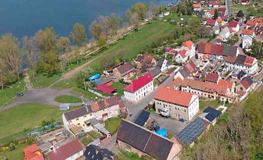 Obec Píšťany, okres Litoměřice, turistika, vodní sporty, windsurfing