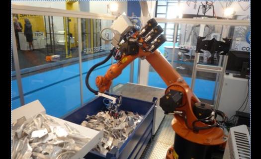 Bin picking - vybírání předmětů z kontejneru průmyslovým robotem - řešení pod jednou střechou