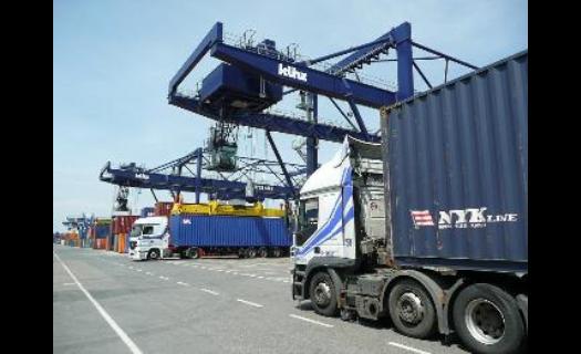 Skladové námořní kontejnery METRANS - a problém s úložným prostorem je pryč