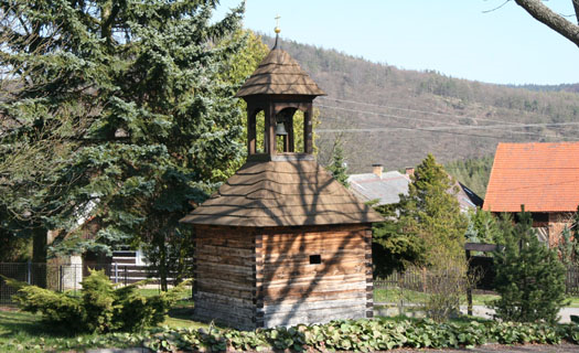 Obec Ostrovec - Lhotka s unikátní soustavou čtyř mlýnů a nádhernou přírodou, lokalita filmařů