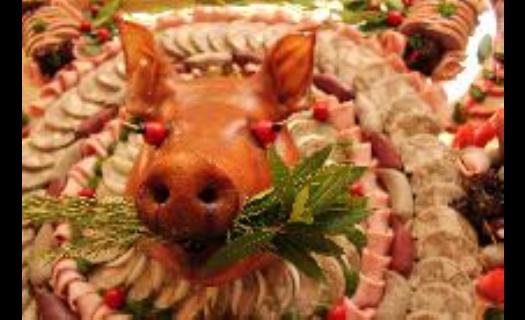 Studené i teplé pokrmy na svatební hostiny, rauty, zajištění cateringu