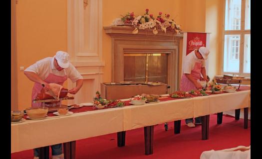 Catering, svatby, firemní akce, slavnostní menu na klíč