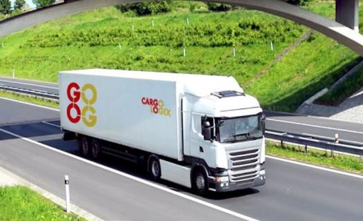 Tuzemská i zahraniční doprava silniční, letecká, námořní, přeprava malých i větších zásilek