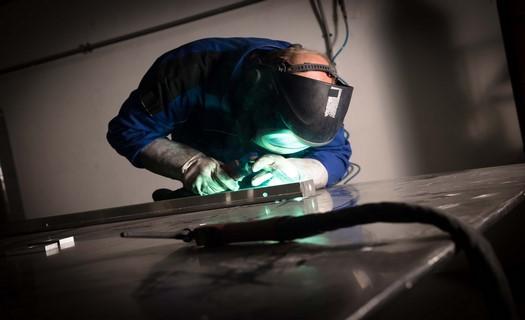 Zakázková kovovýroba, výroba svařovaných dílů a rozváděčových skříní, okres Klatovy