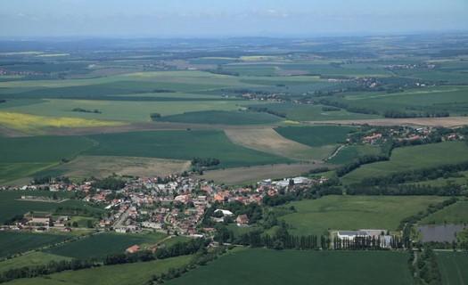 Obec Smidary, rodiště spisovatele Jiřího Šotoly a MUDr. Babáka, zakladatele VŠ v Brně