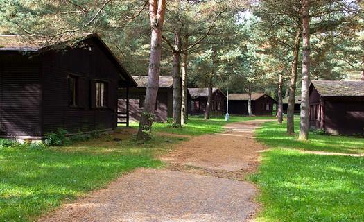 Rekreační areál v malebném prostředí CHKO Blaník, příjemné ubytování v hotelu i v chatkách