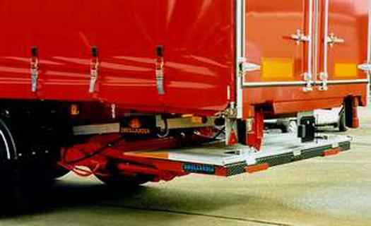 Hydraulická čela a plošiny pro vozidla a přívěsy, dodávka a montáž