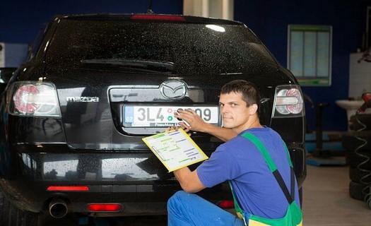 Pneuservis a autoservis pro osobní a užitkové vozy Karlovy Vary, opravy a přezutí pneu