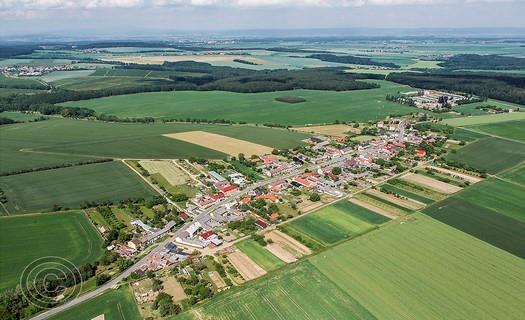 Obec Olbramice, vesnice s obecní knihovnou, honebním společenstvím i řadou kulturních akcí