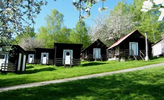 Letní dětský tábor v jižních Čechách se zajímavým programem, ubytování v chatkách i srubech