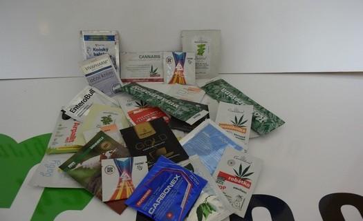 Výroba plochých a hadicových sáčků, balící služby Mladá Boleslav, ruční zakázková výroba, design