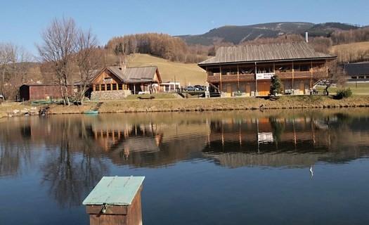 Sportovní rybolov, chytání ryb Amur, kapr, štika Loučná nad Desnou, rybaření, chov ryb Šumperk