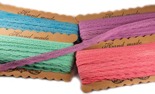 Široký výběr textilní galenterie.