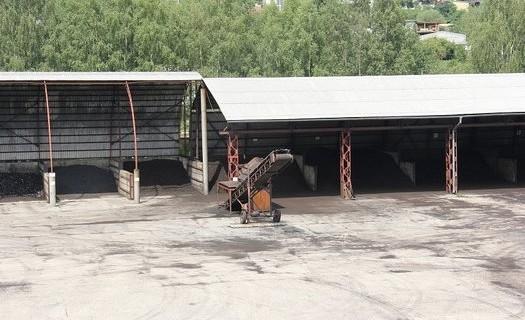 Prodej uhelných briket a palivového dříví Karlovarský kraj, balené uhlí a brikety, dříví v pytlích