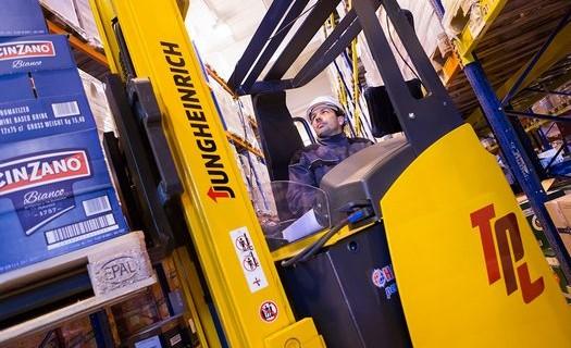 Komplexní logistické služby včetně co-packingu Hořovice, doprava, skladové prostory, E-shop