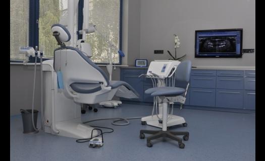 Bělení zubů i neviditelná rovnátka v zubní ordinaci DENTAL OFFICE H33 Praha