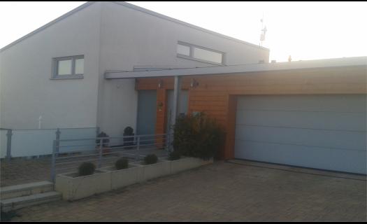 Výstavba rodinných domů a průmyslových objektů na klíč