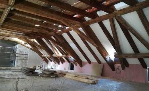 Opravy a rekonstrukce historických krovů Praha, realizujeme opravy a zachováváme původní stav krovů