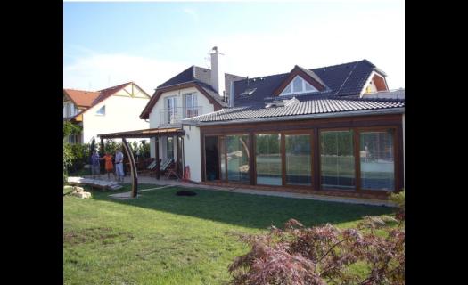 Luxusní bytová výstavba, rodinné domy a vily včetně interiérů – kvalitní bydlení
