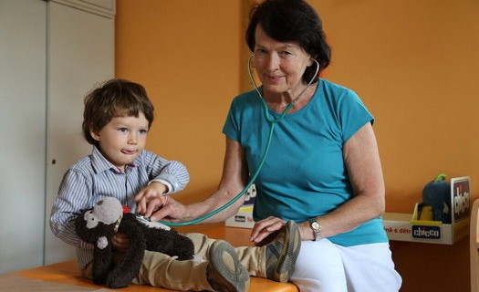 Praktický lékař pro děti a dorost Tábor, Streptest A, CRP, hemoglobin, Uritest, bilirubin, vážení