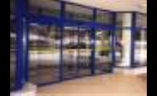 Vnější a vnitřní automatické dveře Kladno - vysoká životnost