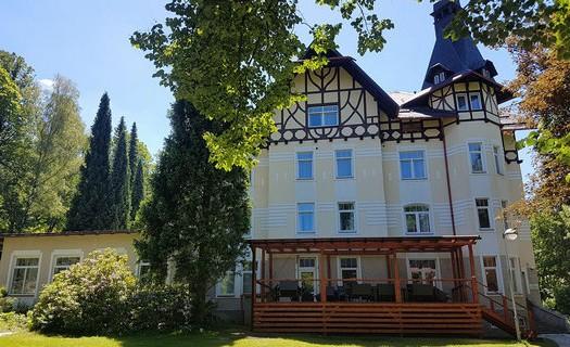 Lázeňský hotel Villa Grohman v Dolní Lipové, lázeňské wellness pobyty, balíčky, ubytování , akce