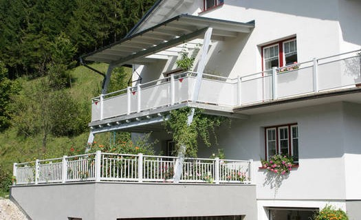 Výroba bezúdržbových hliníkových balkonů Olomouc, montáže moderních balkonů, různé varianty