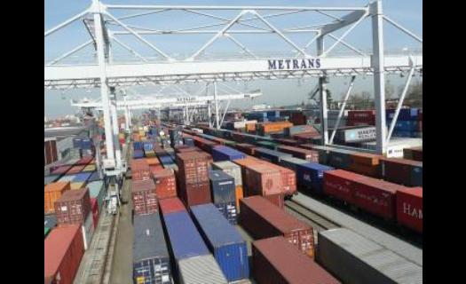 Ocelové námořní přepravní kontejnery k prodeji od společnosti Metrans