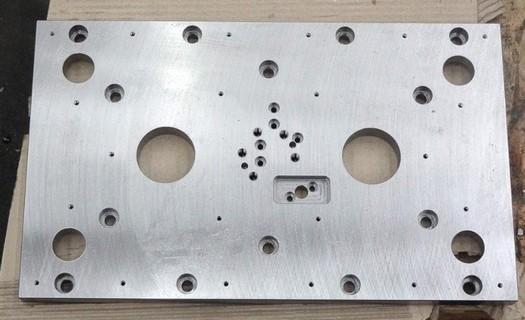 Kovovýroba, CNC obrábění Nový Jičín, opracujeme různé formy, tvarové dílce, prototypové díly