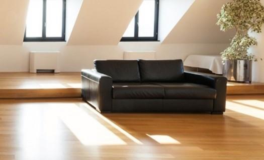 Prodej a pokládka podlahových krytin Praha, plovoucí dřevěné podlahy, linolea, PVC, korek, koberce