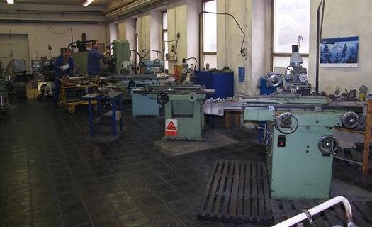 Odlitky, obrábění kovů, frézování, lisování, svařování, CNC