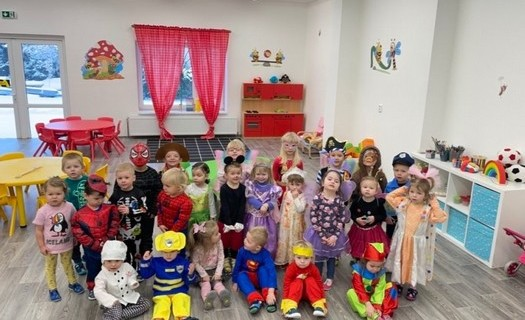 Soukromá školkase zahrádkou pro děti Praha, nabízíme pravidelnou i nepravidelnou docházku
