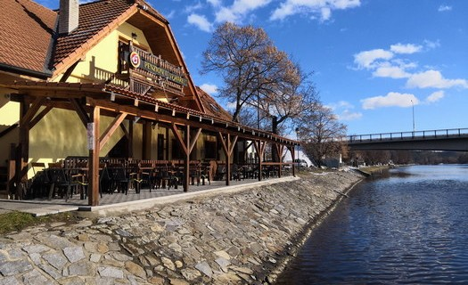 Penzion restaurace Vorař Týn nad Vltavou, ubytování ve 3 stylových pokojích kousek od centra