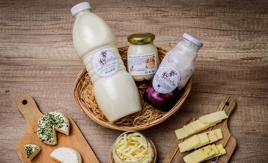 Farma Tompeli, výroba mléčných výrobků z kravského mléka Železný Brod, jogurty, tvarohy, sýry