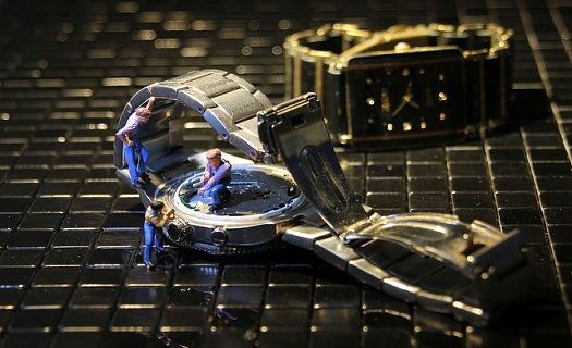 Hodinářství Vísnerová Třebíč, opravy hodin, opravy hodinek, opravy budíků, upomínkové rytí
