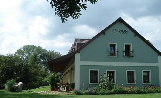 Penzion Na Radosti Slavětín nad Metují, ubytování v blízkosti jelení farmy