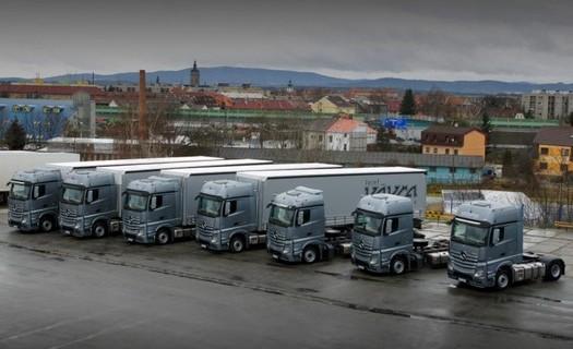Mezinárodní a vnitrostátní kamionová doprava České Budějovice, spediční služby, přepravní služby