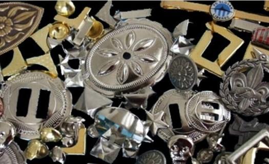 Zakázková kovovýroba Jablonec nad Nisou, výroba medailí, odznaky, pamětní mince, knoflíky