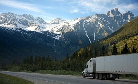 Nákladní autodoprava Kladno, vnitrostátní a mezinárodní nákladní doprava v zemích EU, spedice