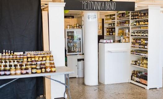 Prodej medů nejen od českých včelařů Brno, prodej medoviny, propolisu, stáčení medu do sklenic