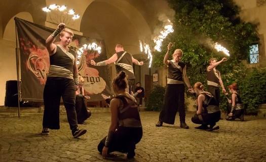 Novus Origo z Polné Jihlava, ohňová show, šermířské souboje, světelná show