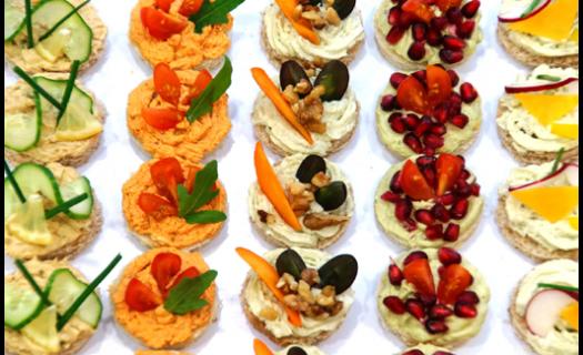 Uspořádáme Vám firemní večírky, konference a zajistíme , coffee-breaky a catering.