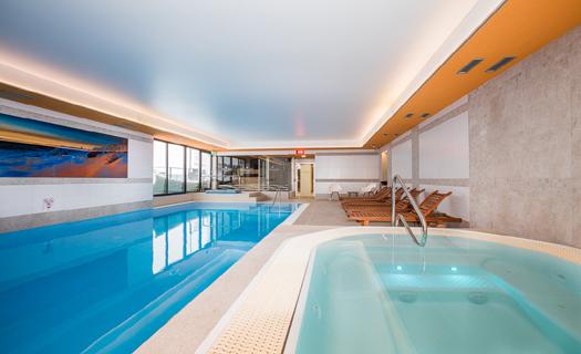 Nové wellness centrum s plaveckým bazénem, vířivkou a saunami