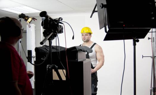 Chcete natočit spot na Váš produkt či službu?  Využijte naše klíčovací studio se špičkovou technikou i specialisty.