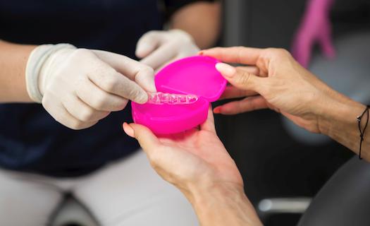 Rozlučte se s křivými zuby! Řekněte ANO rovnátkům, které Vám zajistí krásný úsměv