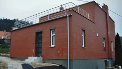 Výstavba rodinných domů na klíč, rekonstrukce obchodních center