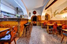 Degustace mikulovských vín včetně cateringu ve vinném sklepě