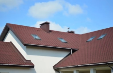 Pokrývačské a klempířské práce, pokládka střešní krytiny, oplechování střech