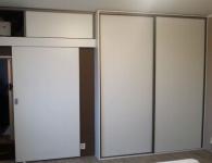 Efektivní využití prostor díky vestavěným skříním od firmy Trunkát Interier