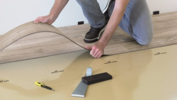 Podlahářské práce, zaměření a vyrovnání podkladu, pokládka všech typů podlahovin